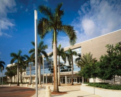 University Center Renovation and Expansion - Nova Southeastern University